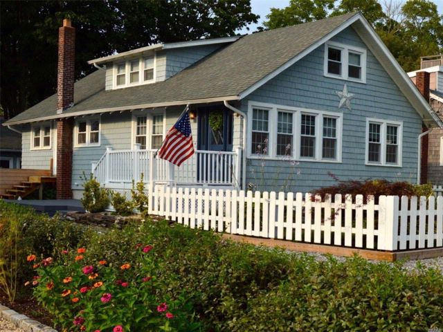 3 BR,  2.00 BTH  Cape style home in Sayville